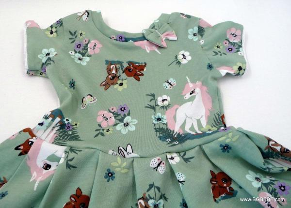 Трикотажна рокля с еднорог цена 25,00лв. 587869402