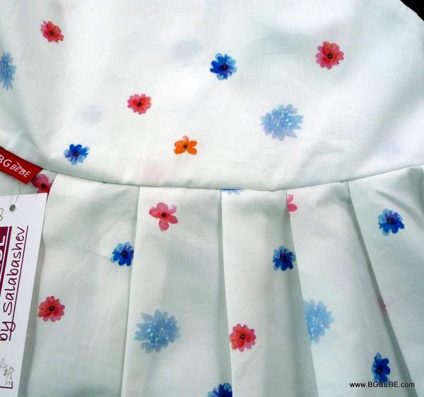 Бяла памучна  рокля с цветчета цена 25,00лв. 1427376580